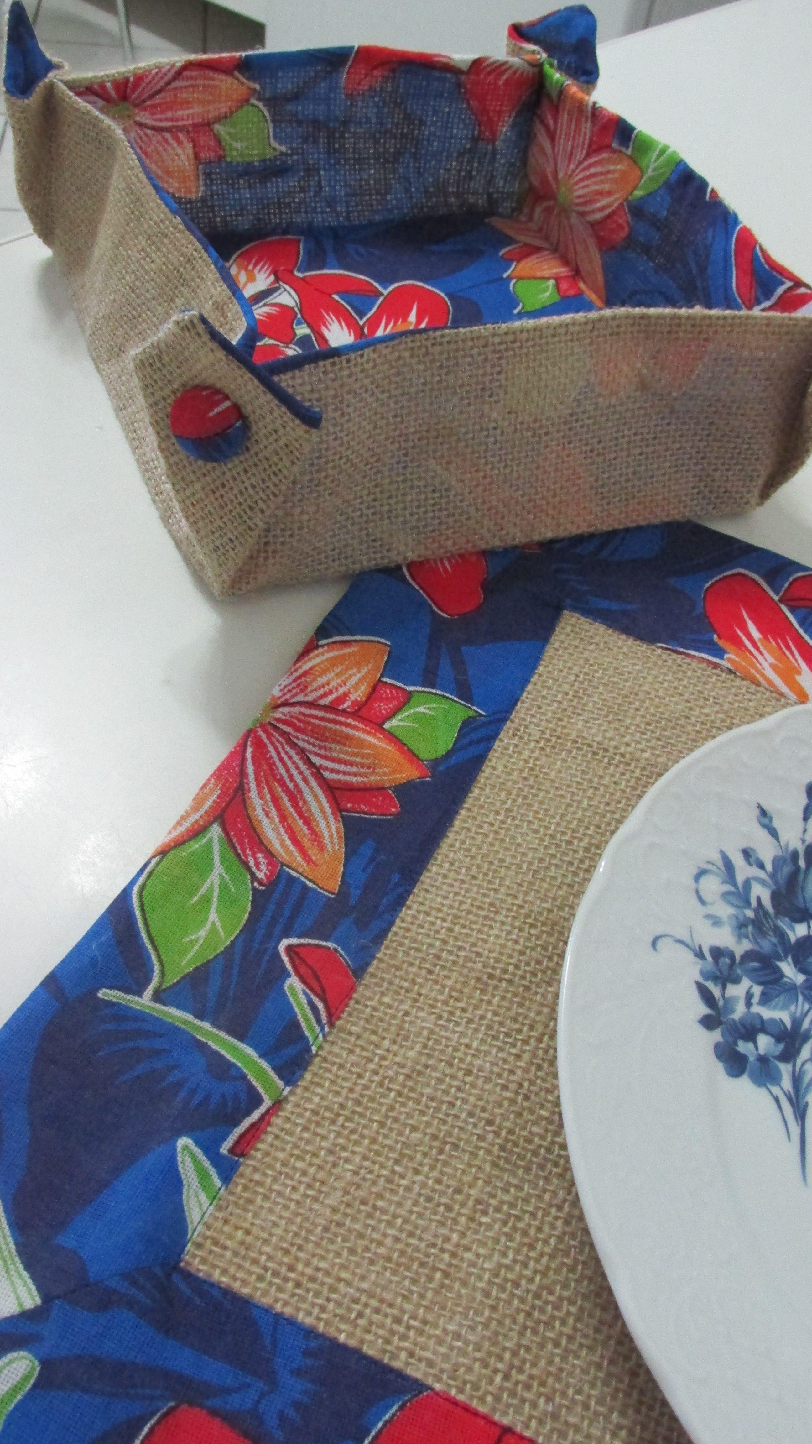 Aparador Antiguo De Roble ~ Jogo americano e cestinho de p u00e3o em juta e chita Artesanato Pinterest Fotos de estopa, Ems