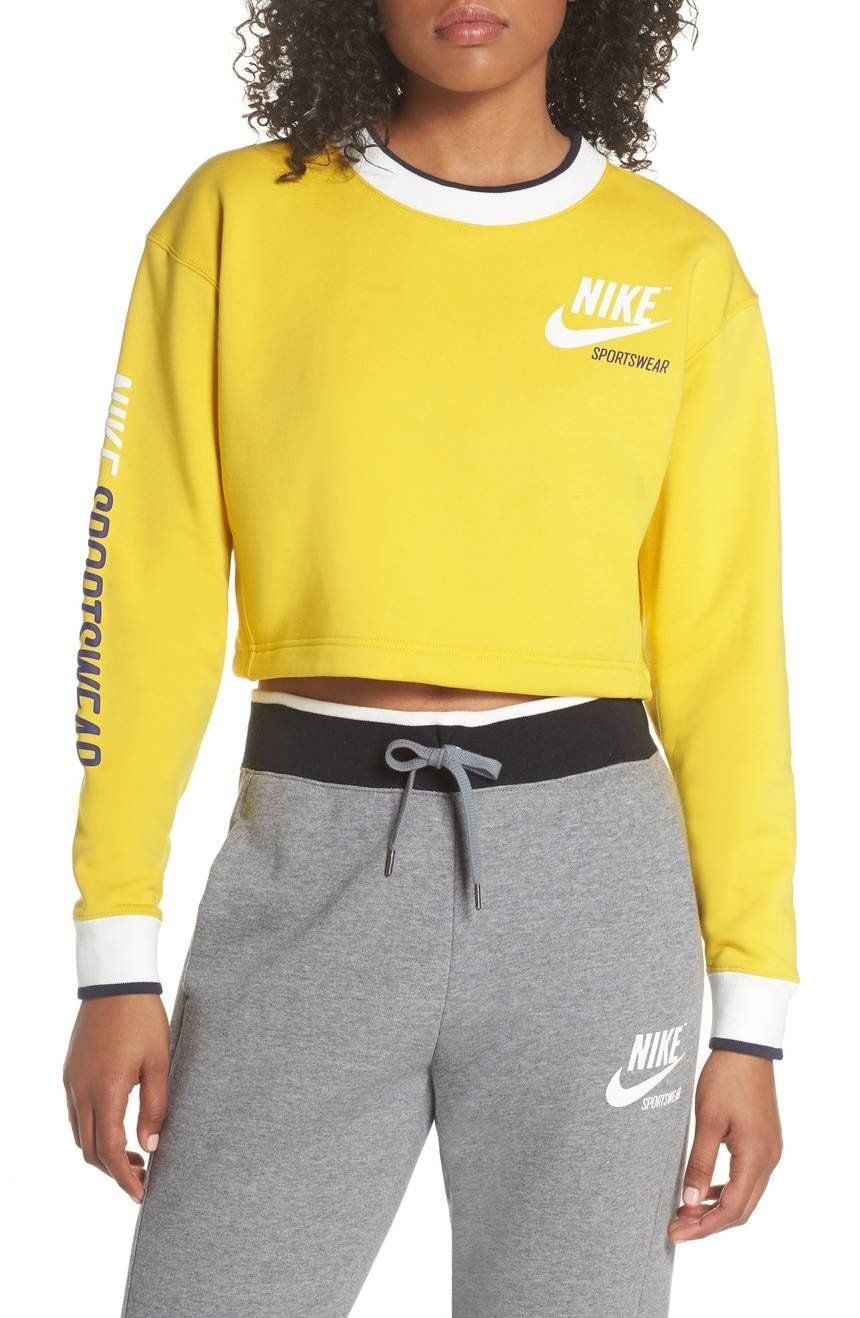 Predownload: Nike Reversible Crop Sweatshirt Nordstrom Cropped Sweatshirt Outfit Crop Sweatshirt Womens Workout Outfits [ 1318 x 860 Pixel ]