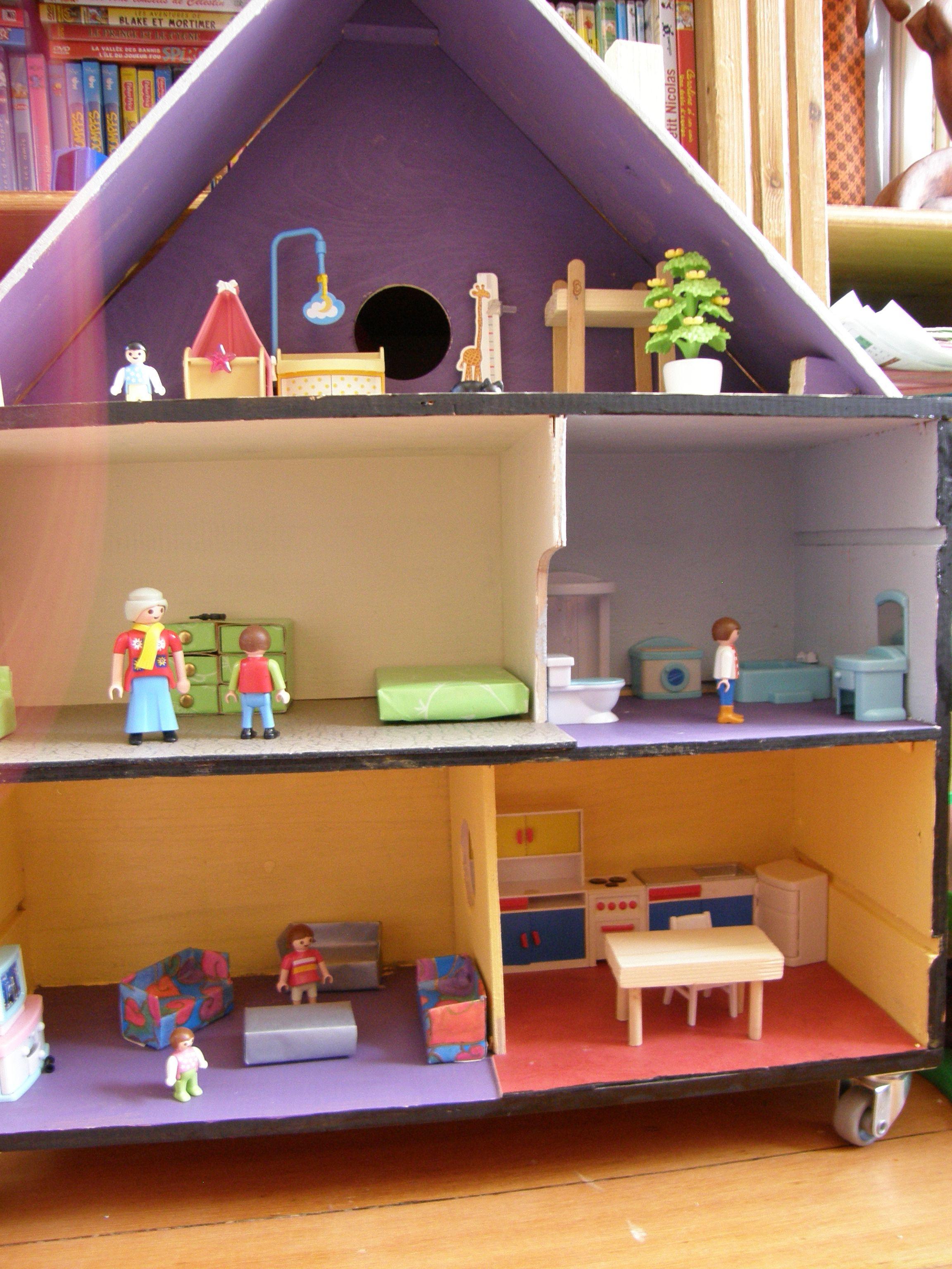 maison playmobil finie et peinte loisirs enfants. Black Bedroom Furniture Sets. Home Design Ideas