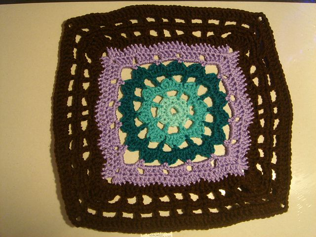 "Violet Crochet Square 12"" ~ free pattern"