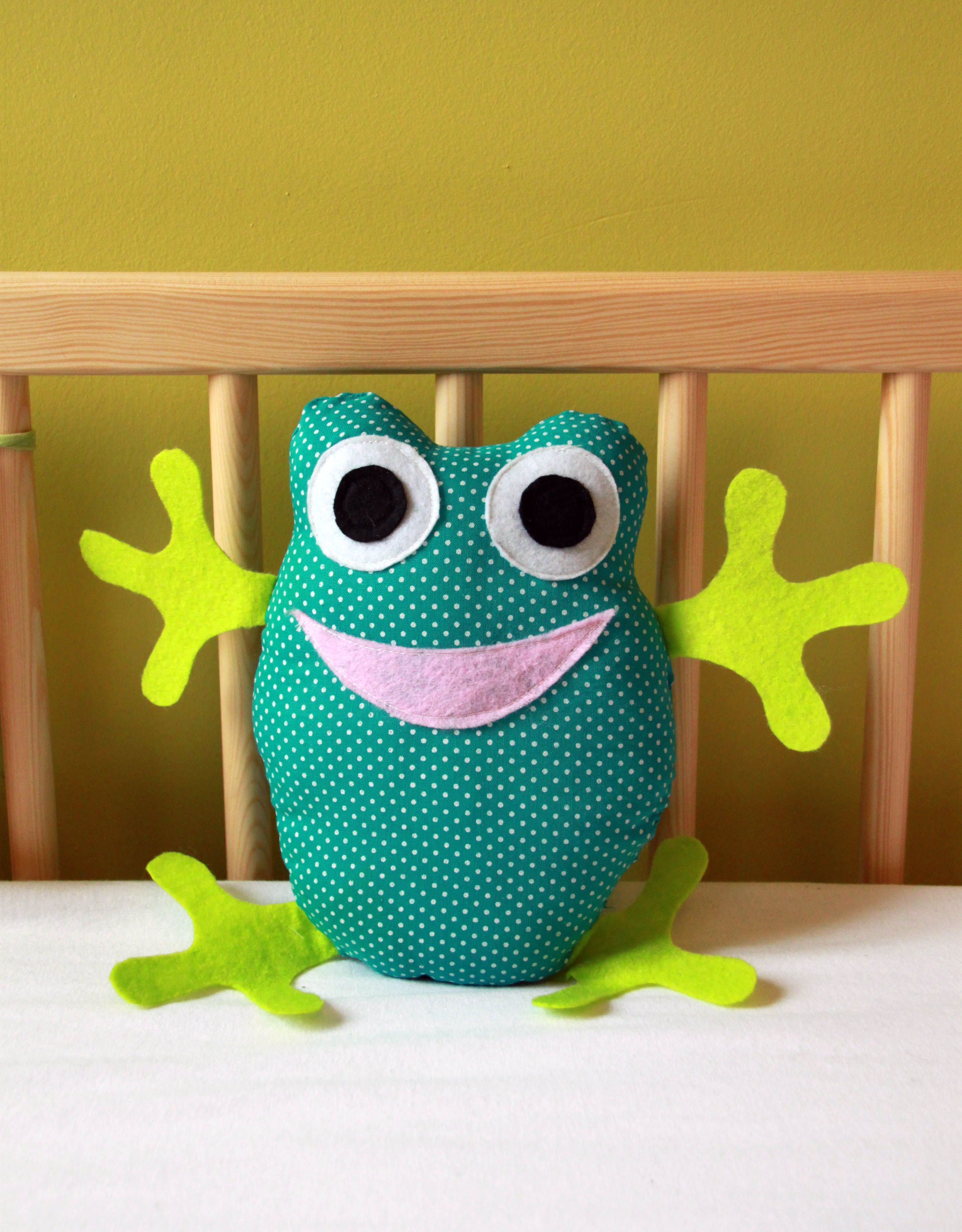 Doudou grenouille doudous petite grenouille et tissu vert - Doudou facile a realiser ...