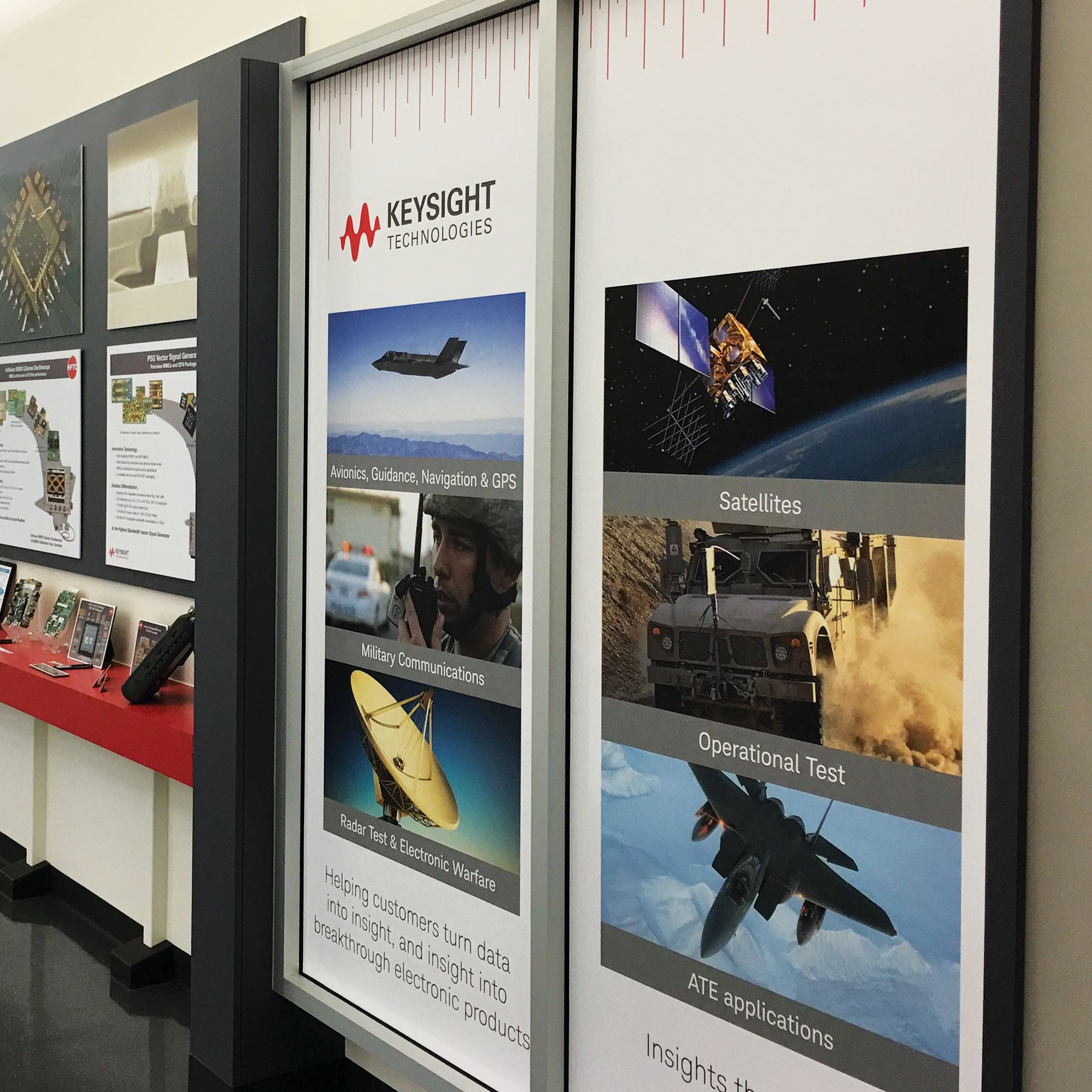Simple Vinyl Signage Prints To Create A Welcome Exhibit At This Keysight Location Wall Graphics Vinyl Graphics Signage