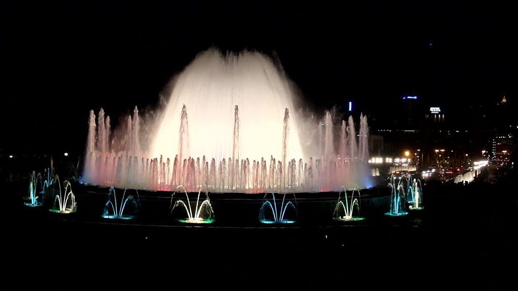 https://flic.kr/p/uM1mkh | Barcelona fountains