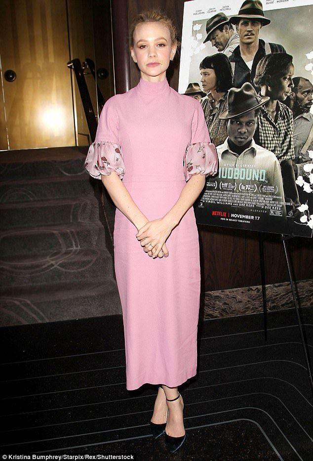 Carey Mulligan dons pink dress at Mudbound screening with Mary J ...