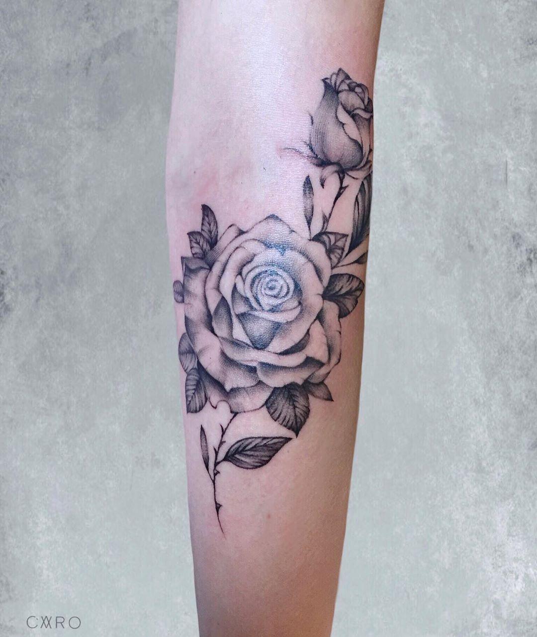 🌿#tattoo #tatt #tattoogirl #tattoos #tattooart #tattoomodel #art #ink #rose #instagood #follwme #blacktattoo #polandtattoos #handtattoo #cracow