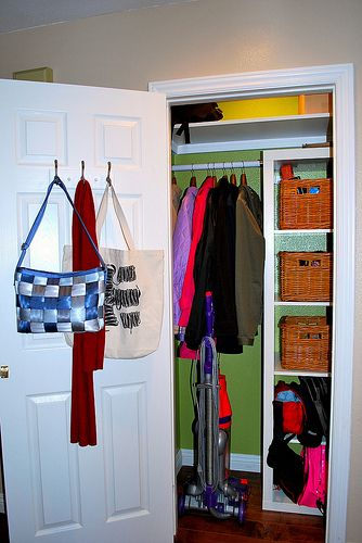 Great Organized Coat Closet Like The Shelves And Baskets Up One Side, Could Keep  Hats And