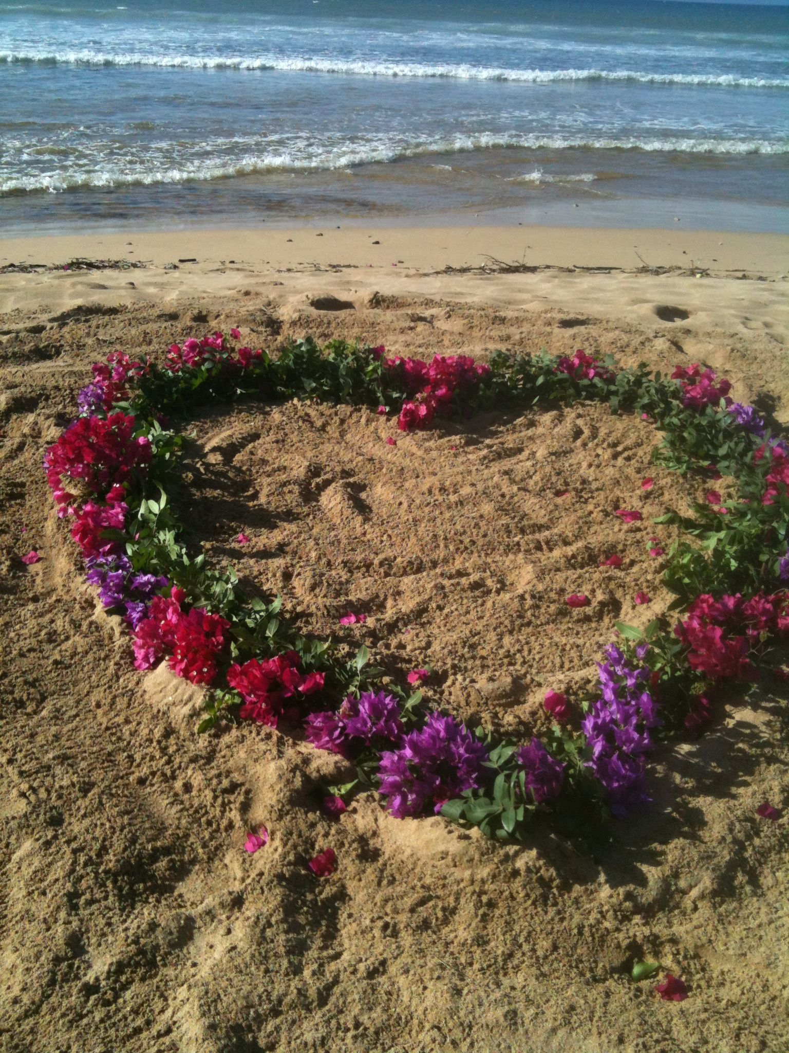 Flower Heart On The Beach Of Flowers Sand Maui Hawaii Idea
