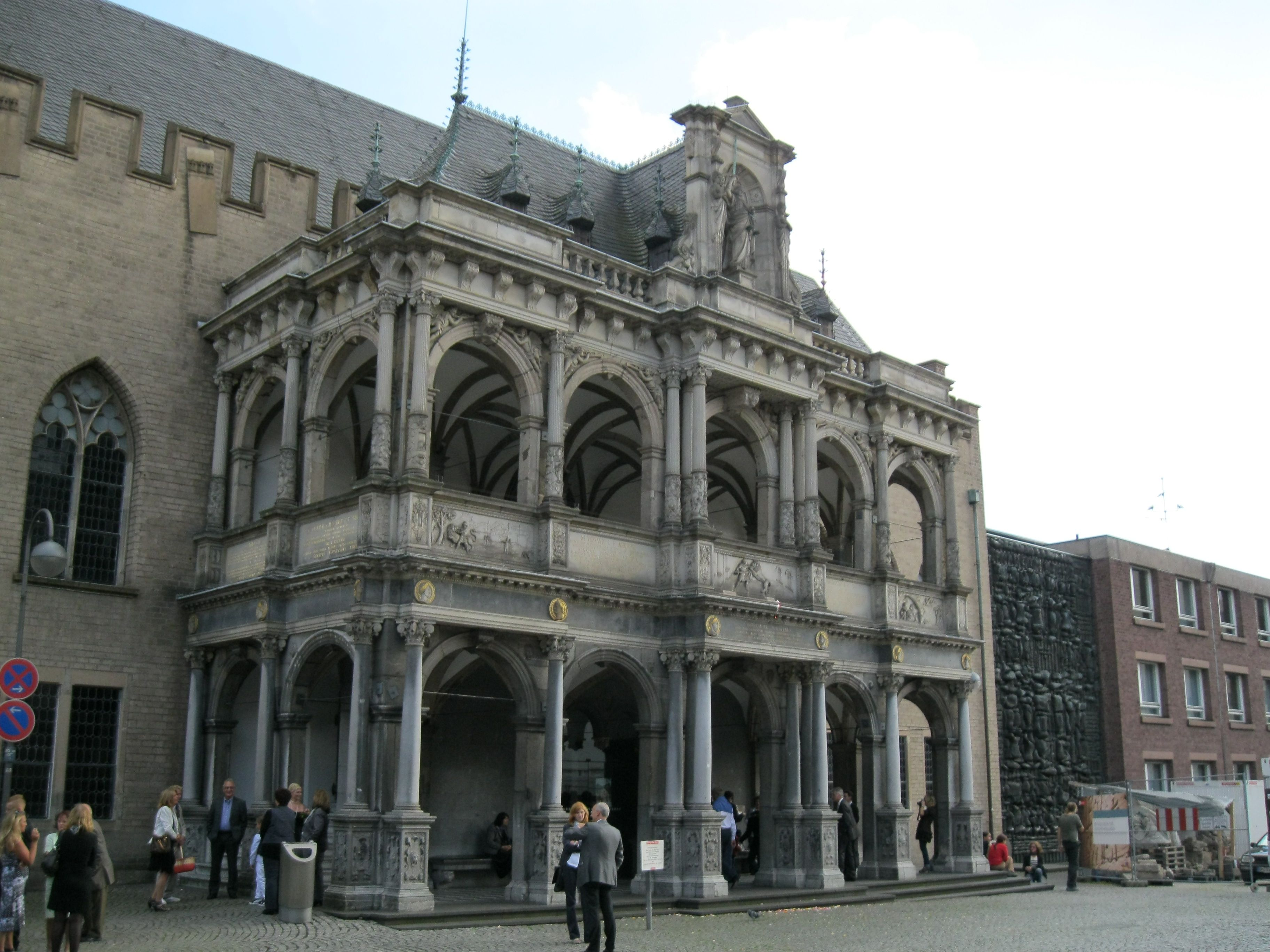 The City Hall German Kolner Rathaus Is A Historical Building In Cologne Western Germany It Houses Part Of The Ci Historic Buildings City Hall Architecture