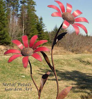 red daisies metal garden art metal petals garden art unique home garden decor recycled - Metallic Garden Decor