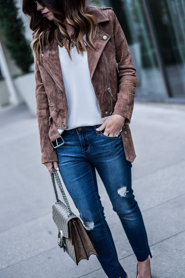 6729a89cfb2 Style blogger Tiffany Jais of Flaunt and Center wearing a BLANKNYC suede  moto jacket with Nordstrom jeans