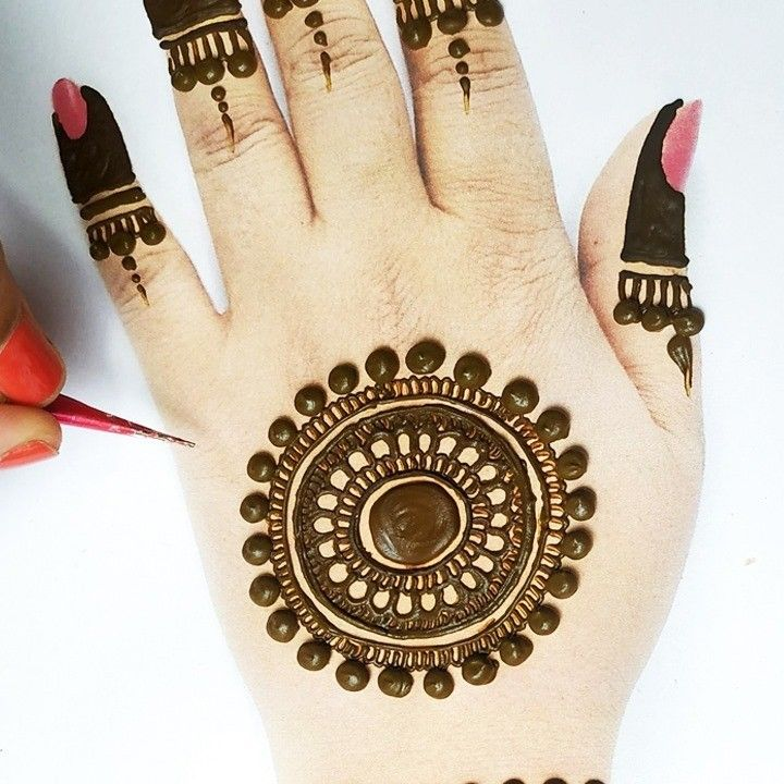 Please comment friends what do you think about this Mehandi design. Is it easy? or is it difficult? #mehandidesign #mehndi ##easymehndi ##beautyzing