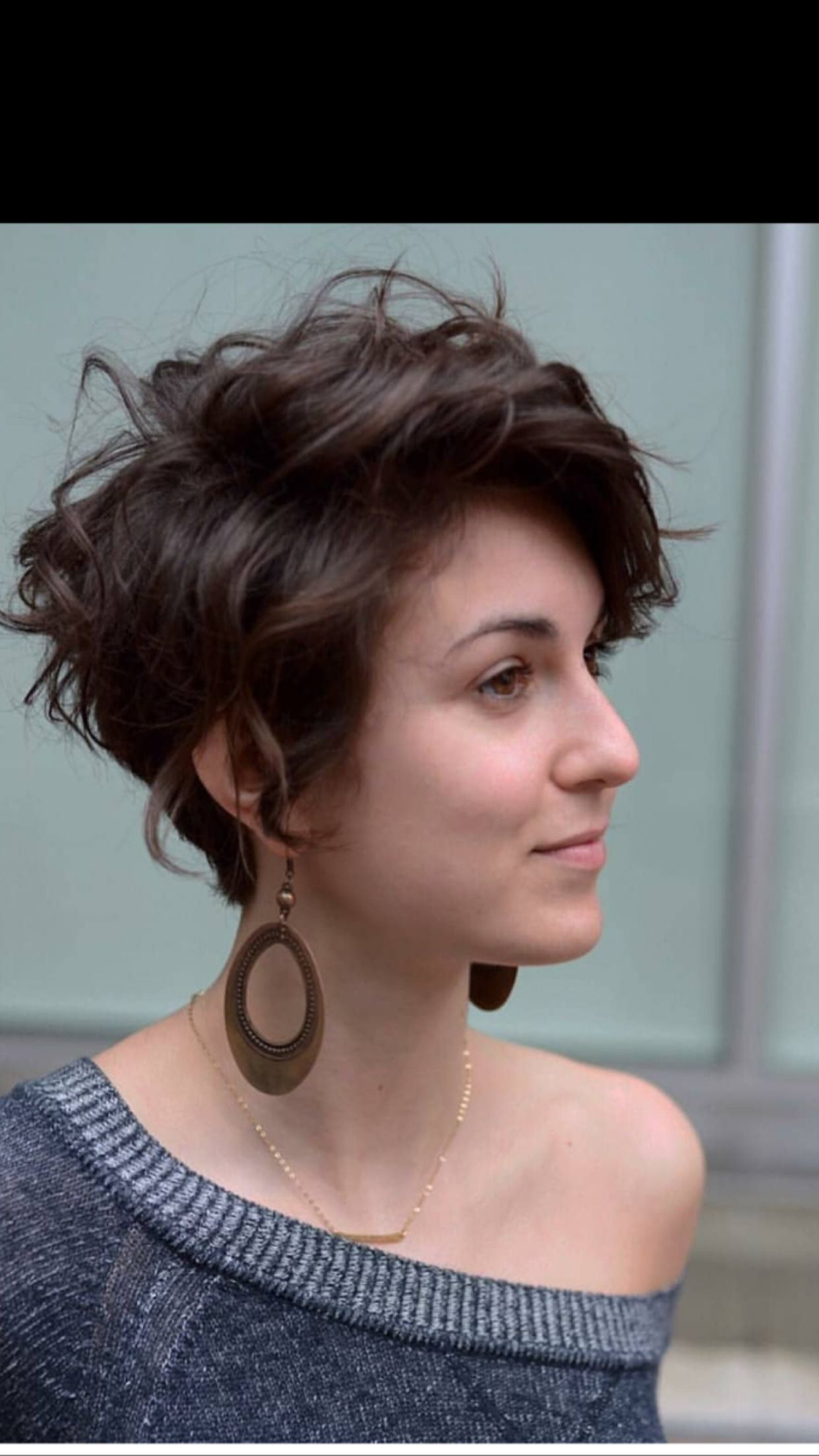 Need to style my hair differently as it grows out, this one looks