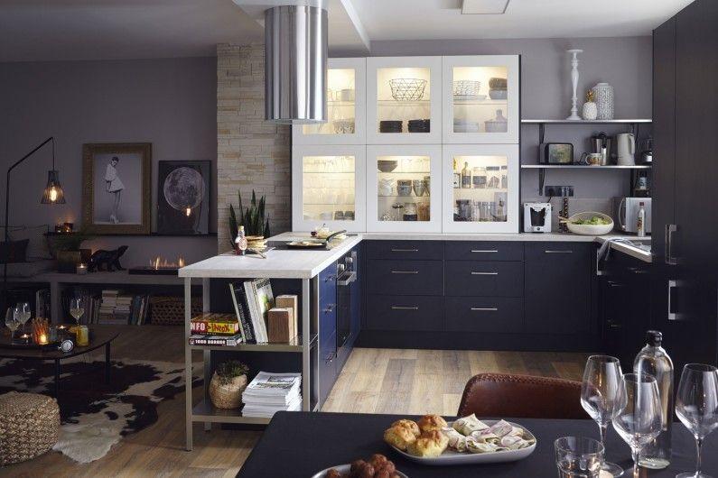 De La Clarté Dans Votre Cuisine Avec Une Vitre Sur Le Meuble De - Verin a gaz pour meuble de cuisine pour idees de deco de cuisine