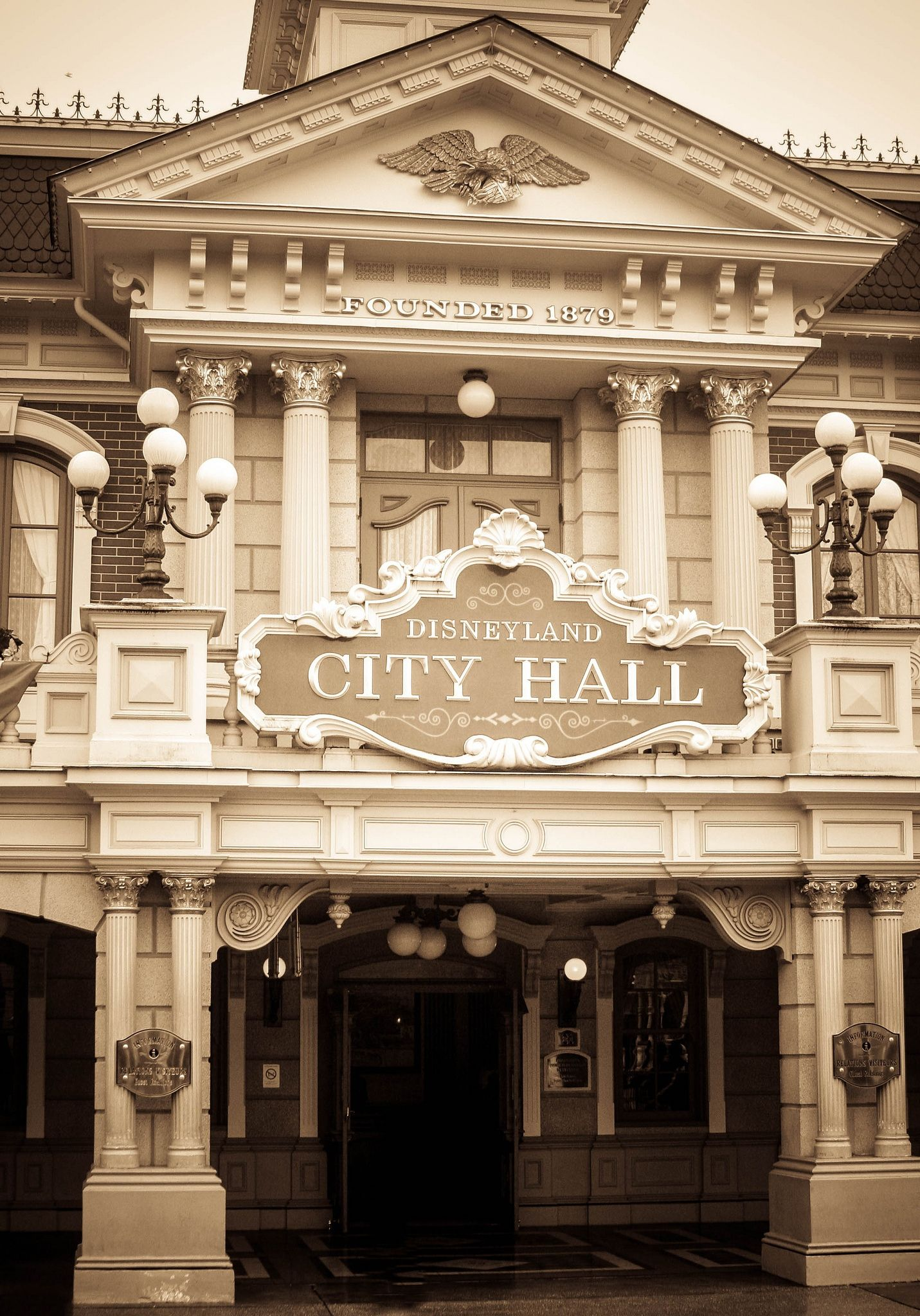 City Hall Disneyland Paris O Disneyland Paris O Pinterest - What city is disneyland in