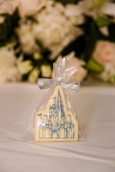 Segnaposto Matrimonio Walt Disney.Treat Your Wedding Guests To Favors With Lots Of Disney Magic