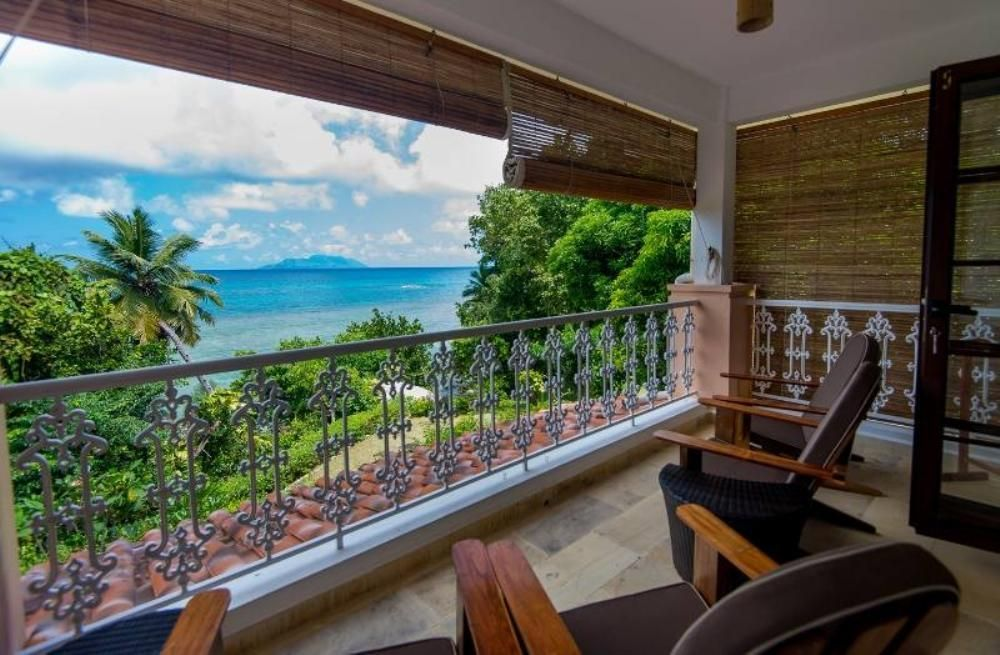 Glacis: Beach-front self-catering Apartment #Seychelles