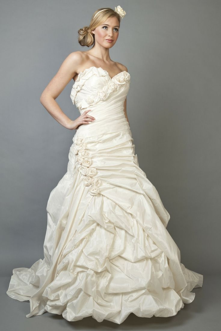 Spectacular Wedding Dresses Collections For Your Favorite ...