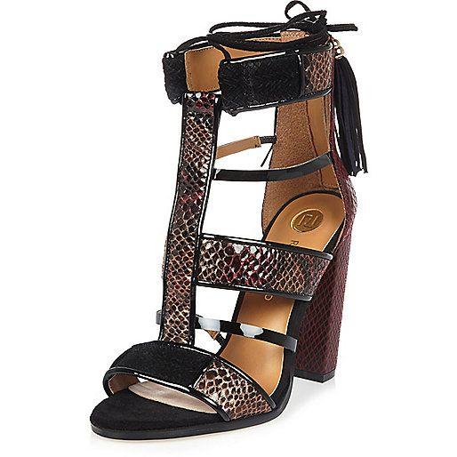 833b632f3f732 Salomés rouge foncé effet cage à talons carrés - Sandales - Chaussures  bottes…