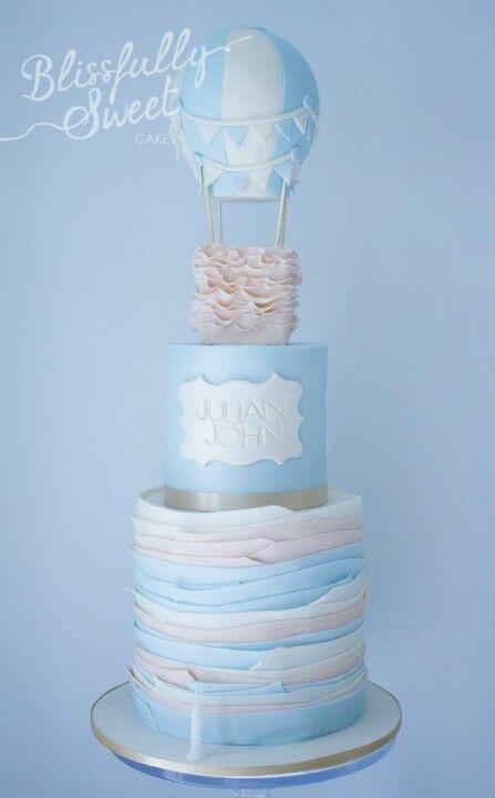 pastel en azul con blanco y globo aerostático :D