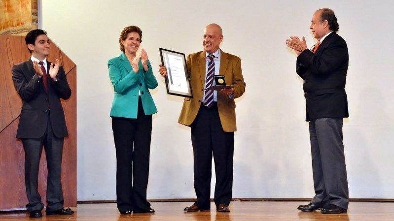 Recibió el compositor Javier Álvarez la Medalla Bellas Artes