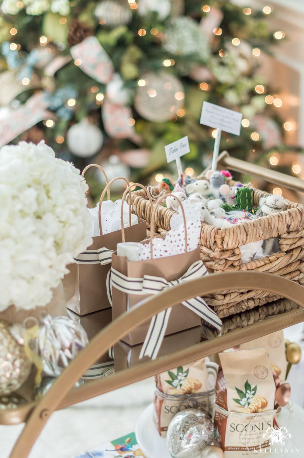 Holiday Hostess And Neighbor Gift Ideas And Everything In Between Kelley Nan Christmas Hostess Gifts Holiday Hostess Party Hostess Gifts