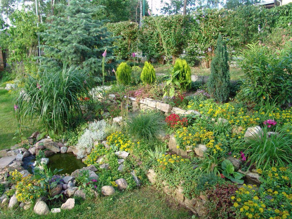 Pin von conny e auf garten pinterest - Gartengestaltung hanglage pflegeleicht ...