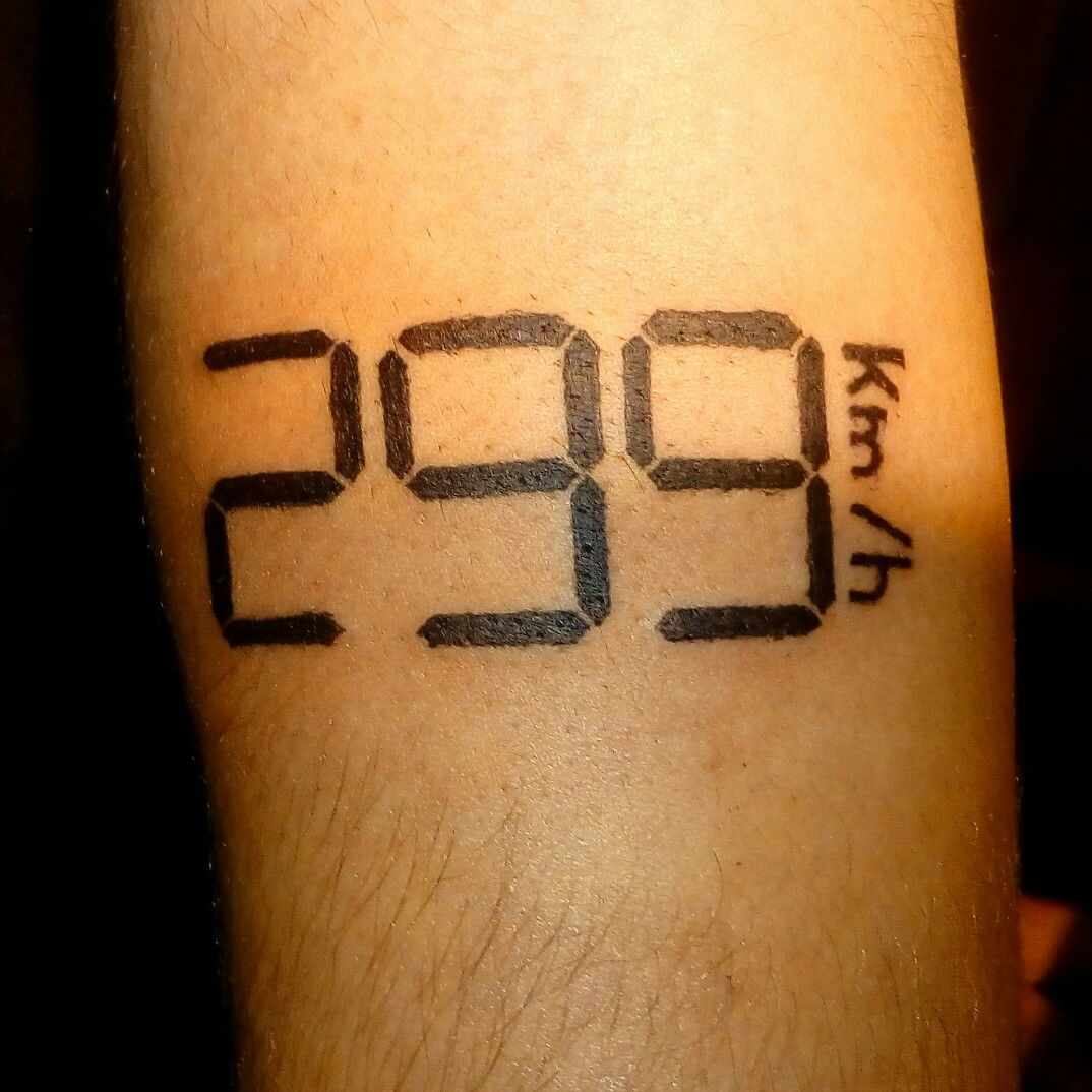 "Tattoo ""299 km/h"" hand"