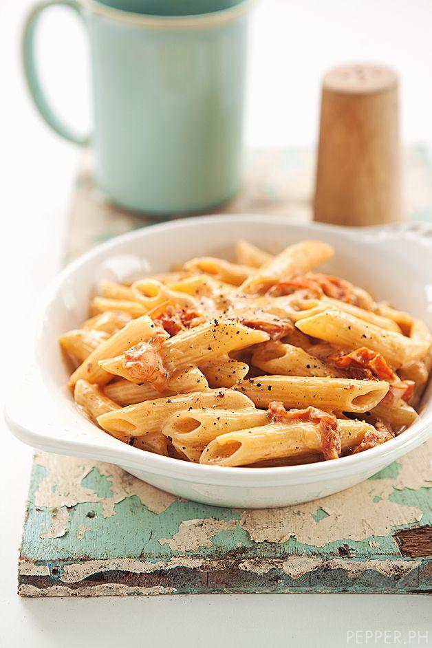 Mozzarella cheese with tomato cream pasta