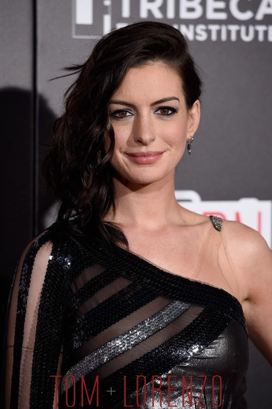Eye Makeup When Drama Is Called For Anne Hathaway Pinterest