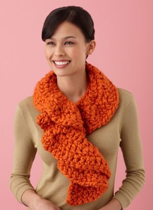 Pattern - Ruffle Scarf, looks super easy probably won\'t use thick ...