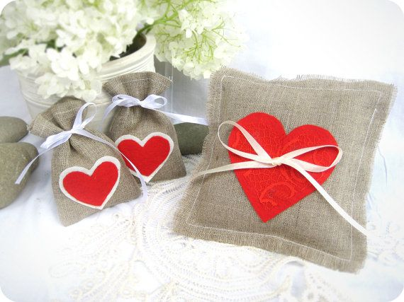 Wedding favor Set - Set of 21 - Natural Rustic Linen Wedding Favor Bag with red hearts, Burlap Ring Bearer Pillow
