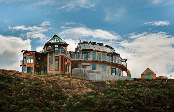 Uniquely designed, self-sustaining, and made of recycled or natural materials, these homes are the brainchild of renegade bioarchitect Michael Reynolds. Based in New Mexico, his goal is to create self-sufficient, off-the-grid communities where design and function converge in eco-harmony. He uses discarded modern by-products found locally, and integrates them into construction materials that can be used to build a sustainable home.