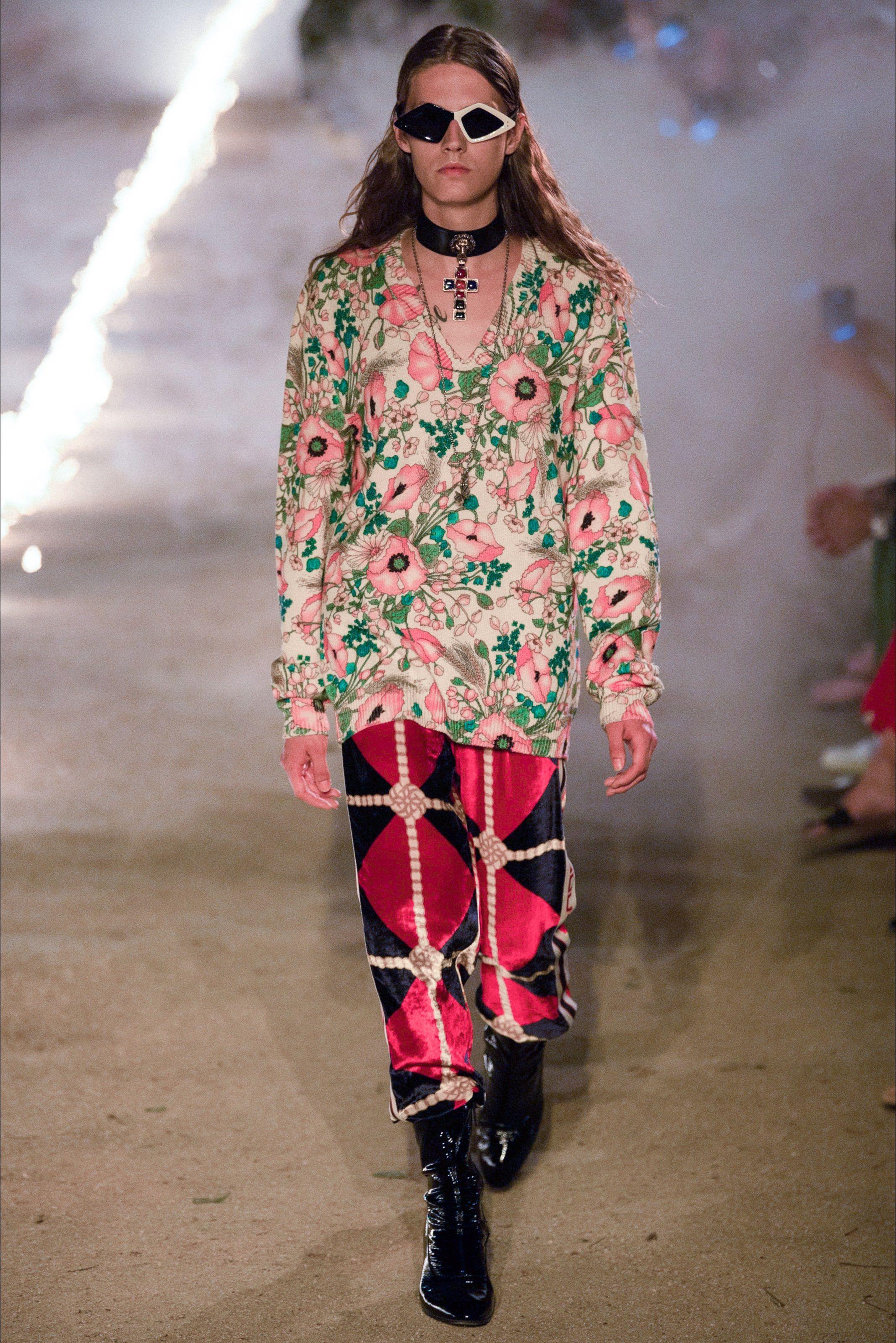 Sfilata Gucci Arles - Pre-collezioni Primavera Estate 2019 - Vogue Trincea 01805109083