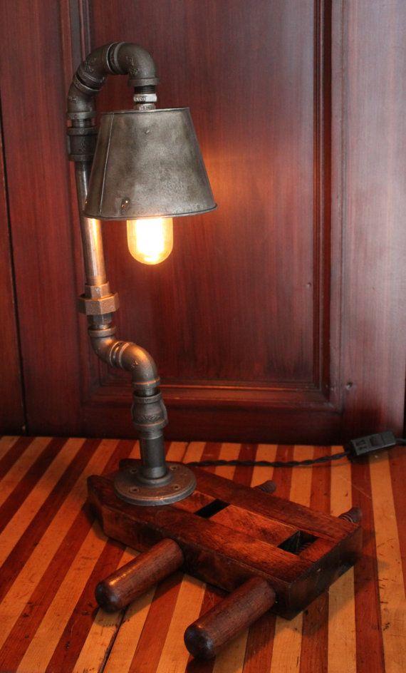 Lampe de table de style industriel steampunk par Atelier532 sur Etsy, $379.00