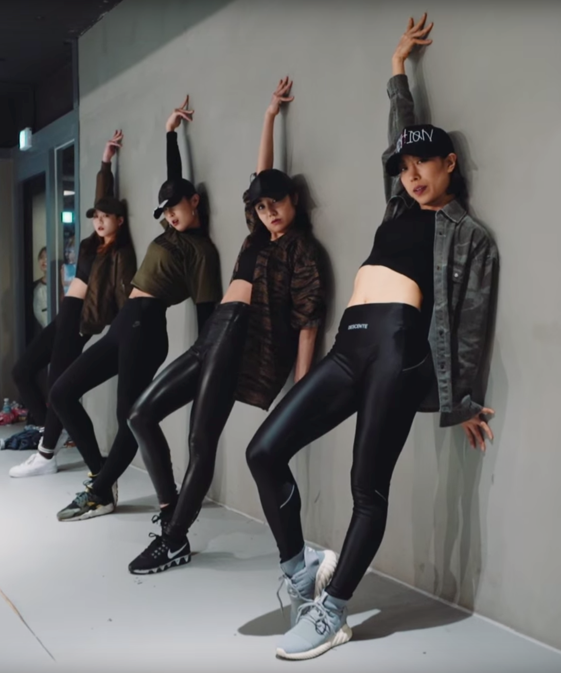 These K Pop Dance Groups Straight Up Slay Dance Outfits Dance Outfits Practice Dance Class Outfit