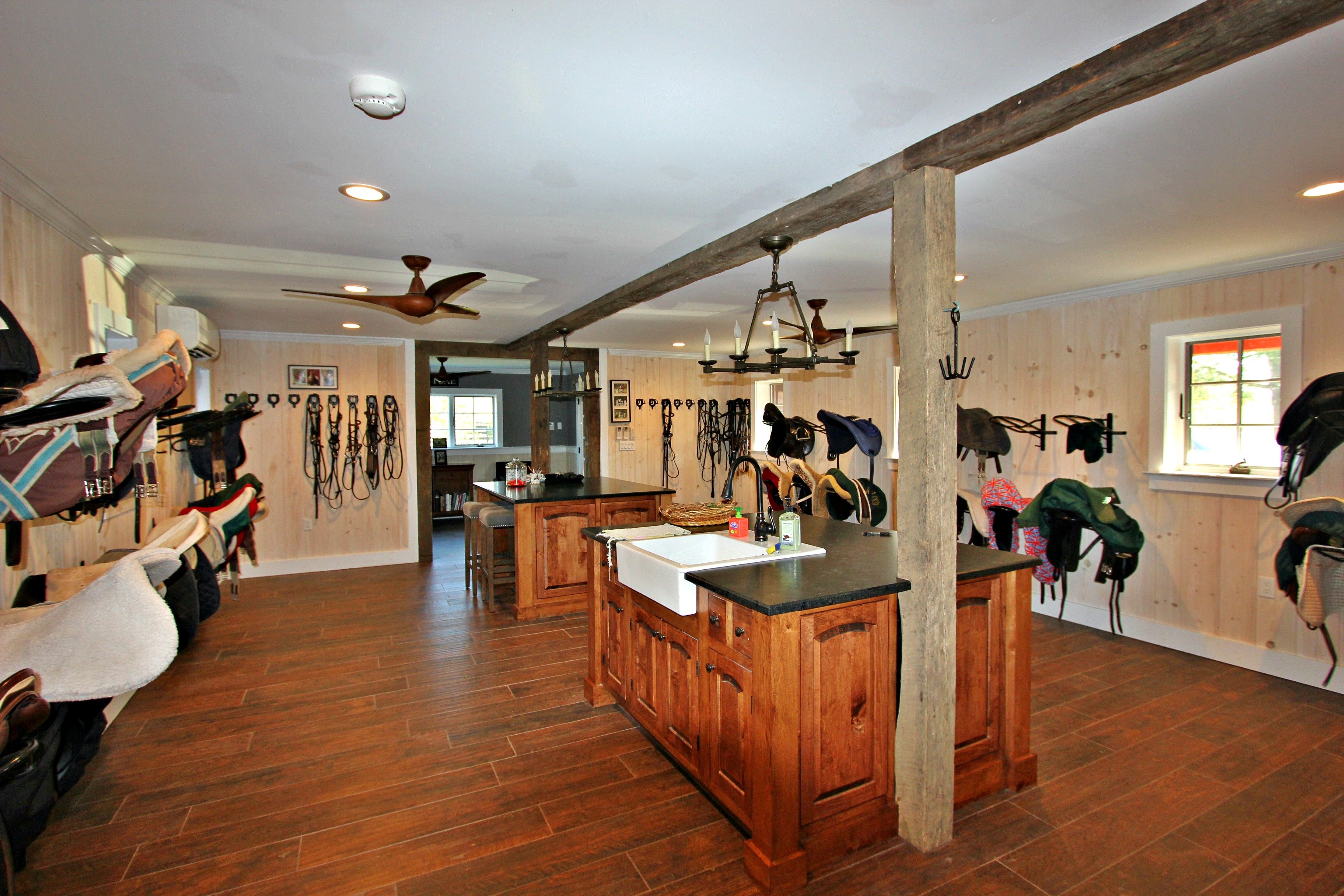 Pin by King Construction Co., LLC on Tack Rooms/Lounges ...
