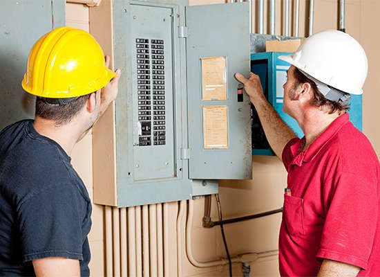 8 Warning Signs Of Dangerously Outdated Electrical Wiring