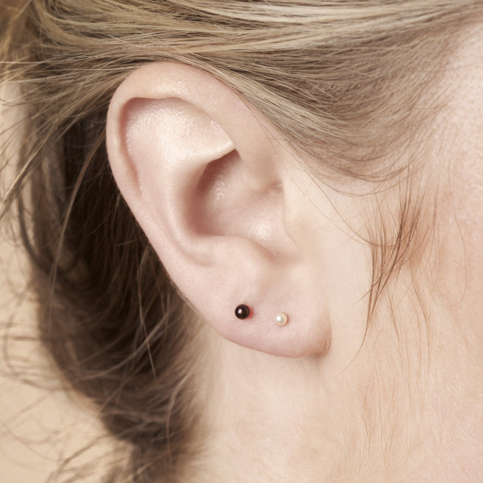 Tiny Pearl Earrings In 2020 Black Pearl Earrings Earrings Pearl Earrings