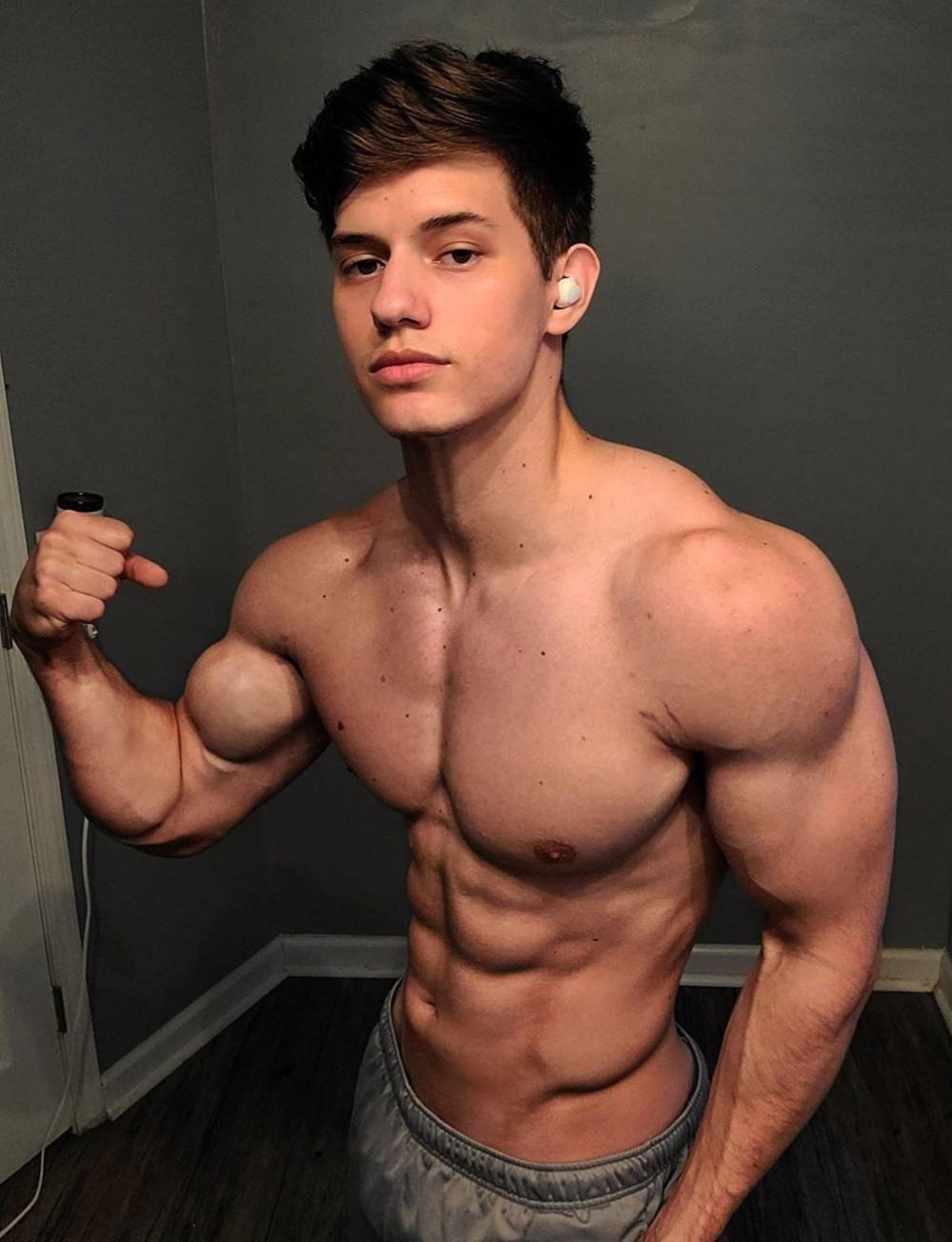 Pin de Sebastian en Andrey Muscle