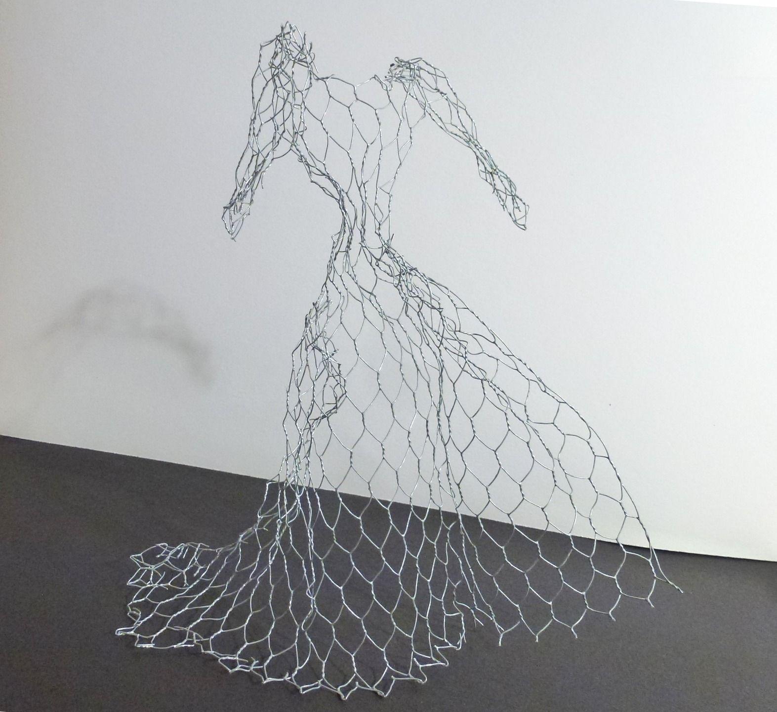 Sculpture Grillage A Poule sculpture décorative en grillage robe de mariée
