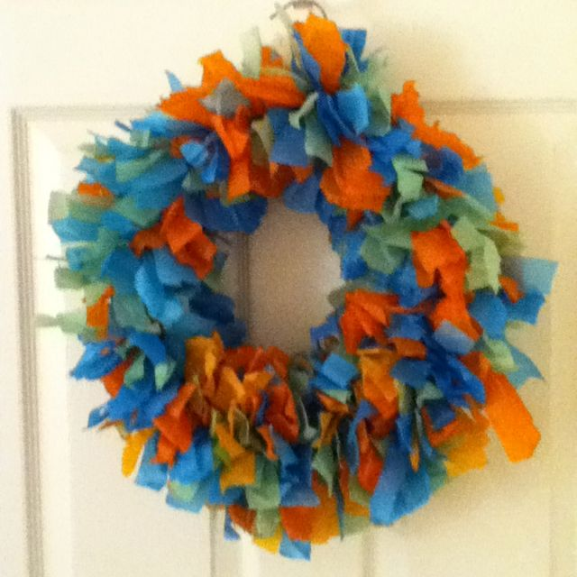 This is my wreath I made in elementary. You just need a lot of tissue paper:)