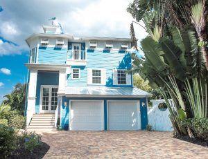 Turquoise Florida Beach House Paint Color Clearest Ocean Blue
