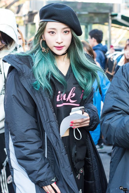 Https S Media Cache Ak0 Pinimg Com 736x 11 E7 0a 11e70a46fcf62fb6fb63aafd039b47c6 Jpg Hani Kpop Girls Green Hair