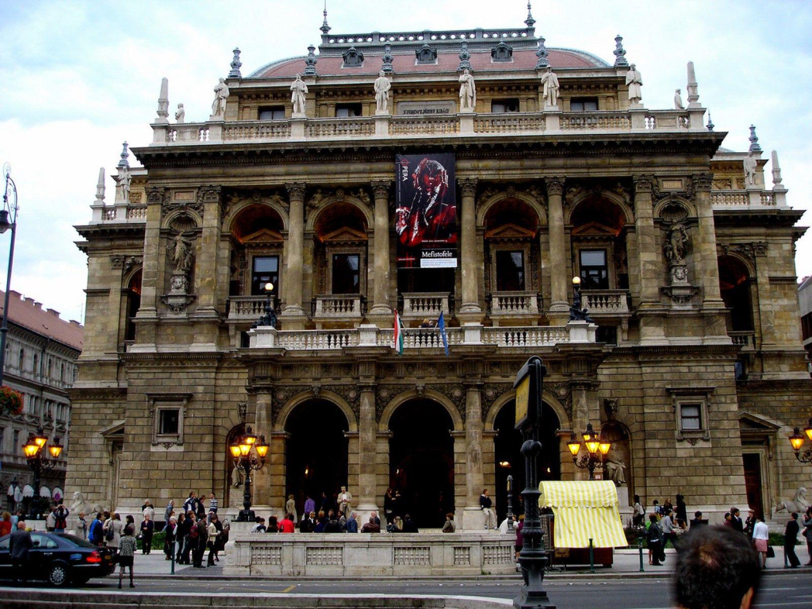 Te Gustaría Visitar Budapest Te Contamos Los Secretos De La Ciudad De Los Balnearios Budapest Ciudades Balneario
