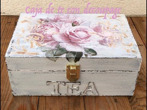 Caja de té decorada con decoupage, decapado y relieve