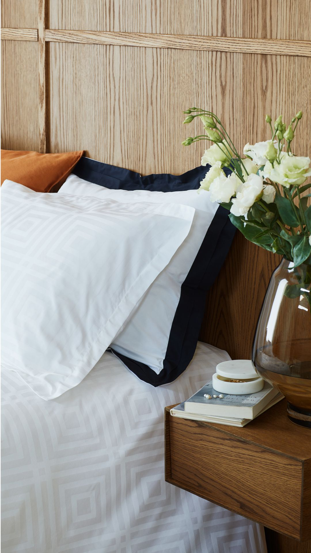 Your Organic Bedroom: Give Your Bedroom The 5-star Treatment With 100