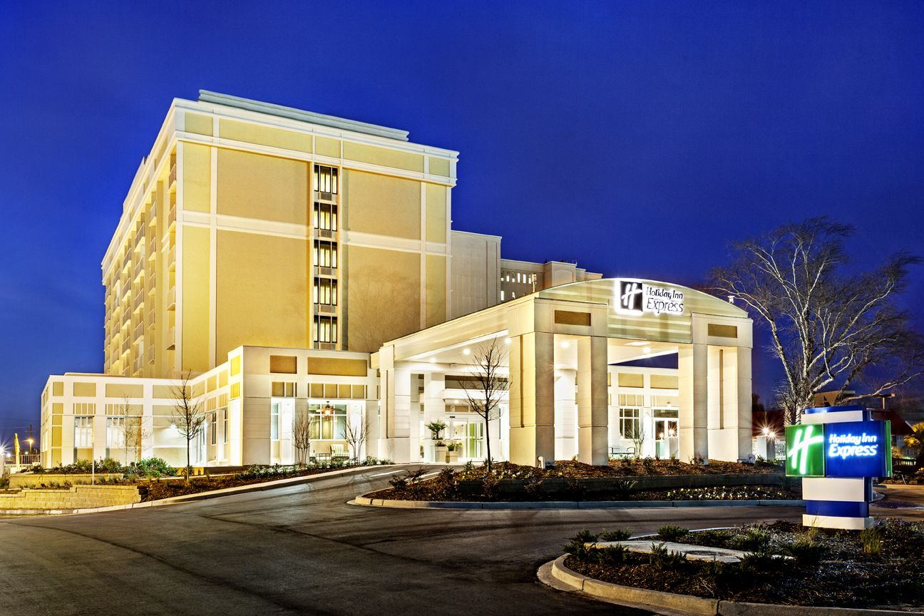 Holiday Inn Express Ashley River// Downtown #Charleston, SC Mid-Scale Hotel