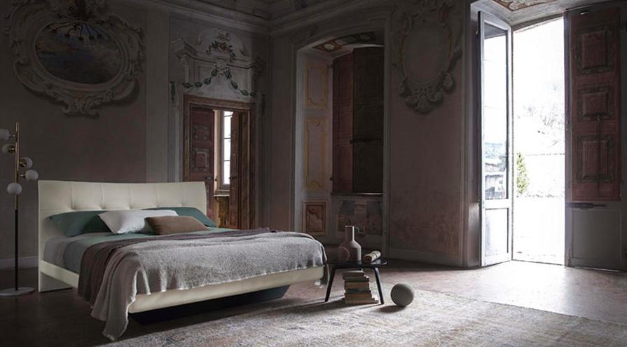 Letto Bluemoon Poltrona Frau.I Letti La Notte Di Poltrona Frau Luxury Furniture Interior