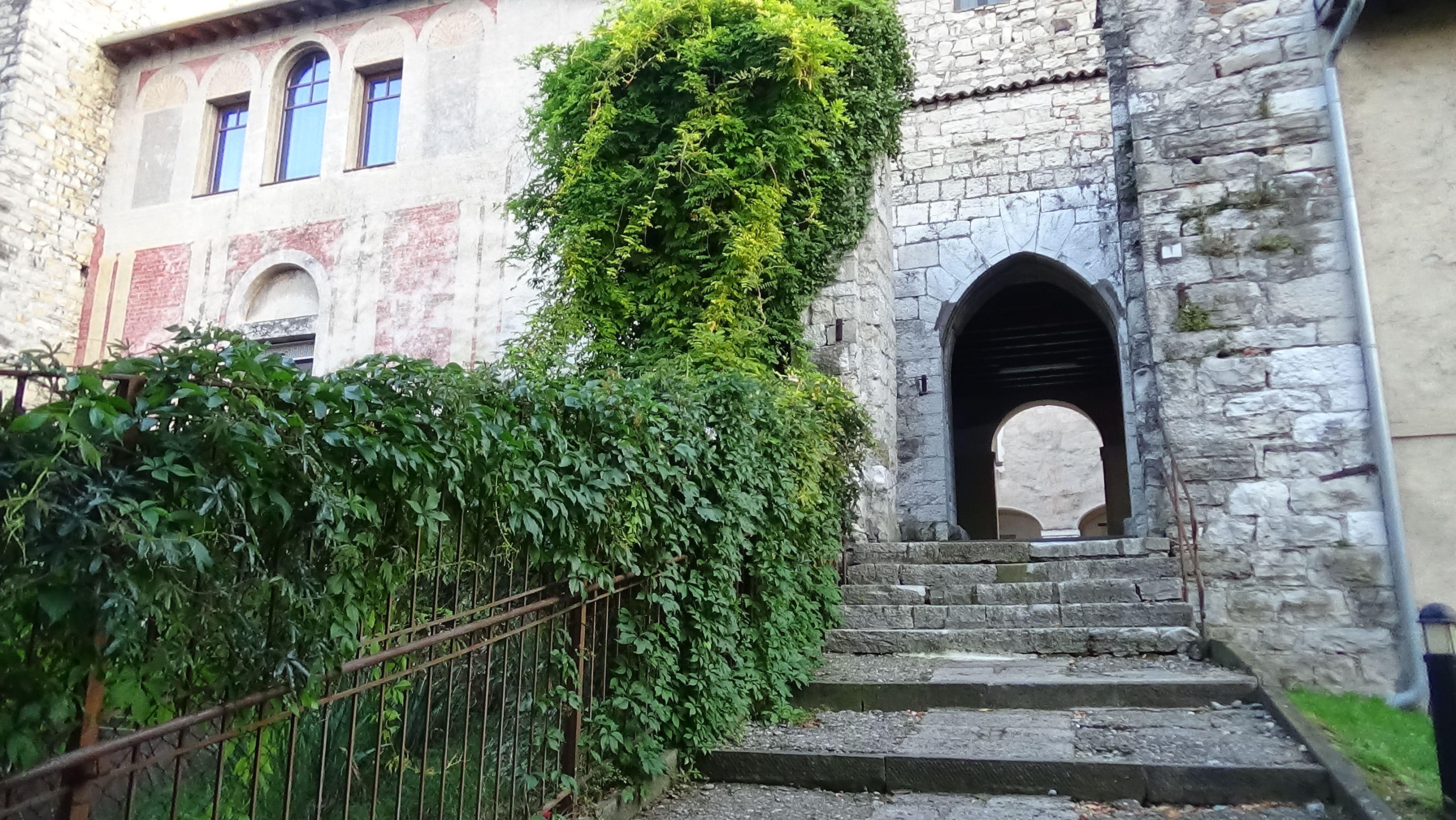 Medieval castle of the Oldofredi Family