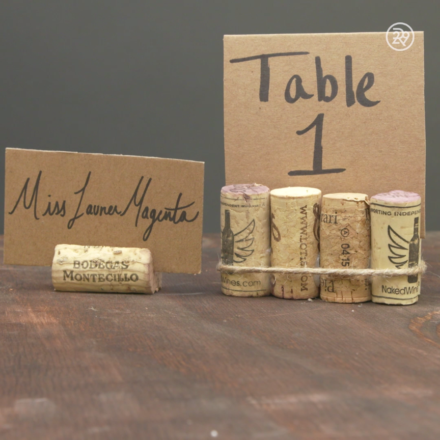 diy place cards using wine corks u0026 cardbord